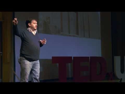 Las pirámides como forma de organización social: Santiago Hernández at TEDxUBA