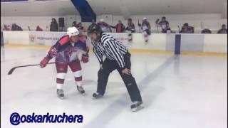 manniqiunchallenge  во время матча между ХК «КомАр» и ХК «Липецк».