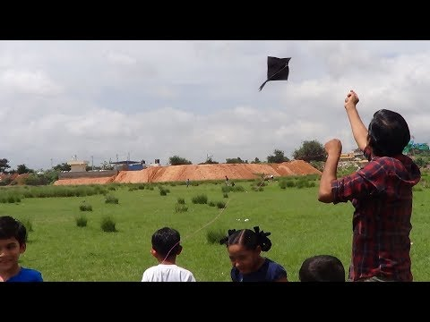 How to make a diamond kite with a garbage bag