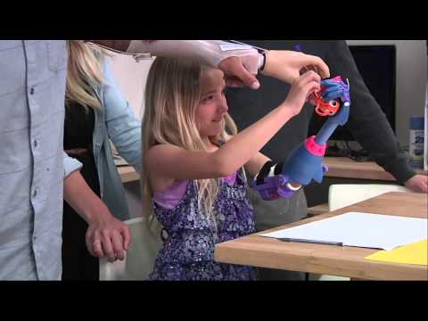 Seven-year-old girl gets 3-D printed 'robohand'