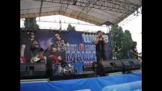 Video ADA Band - Takkan Bisa @ Alun-Alun Simpang 7, Kudus.AVI download MP3, 3GP, MP4, WEBM, AVI, FLV Agustus 2018