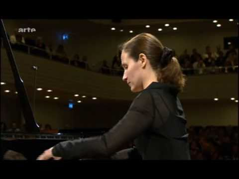 H. Grimaud 1/3 Rachmaninov piano concerto No.2 in C minor, op.18 [Moderato]
