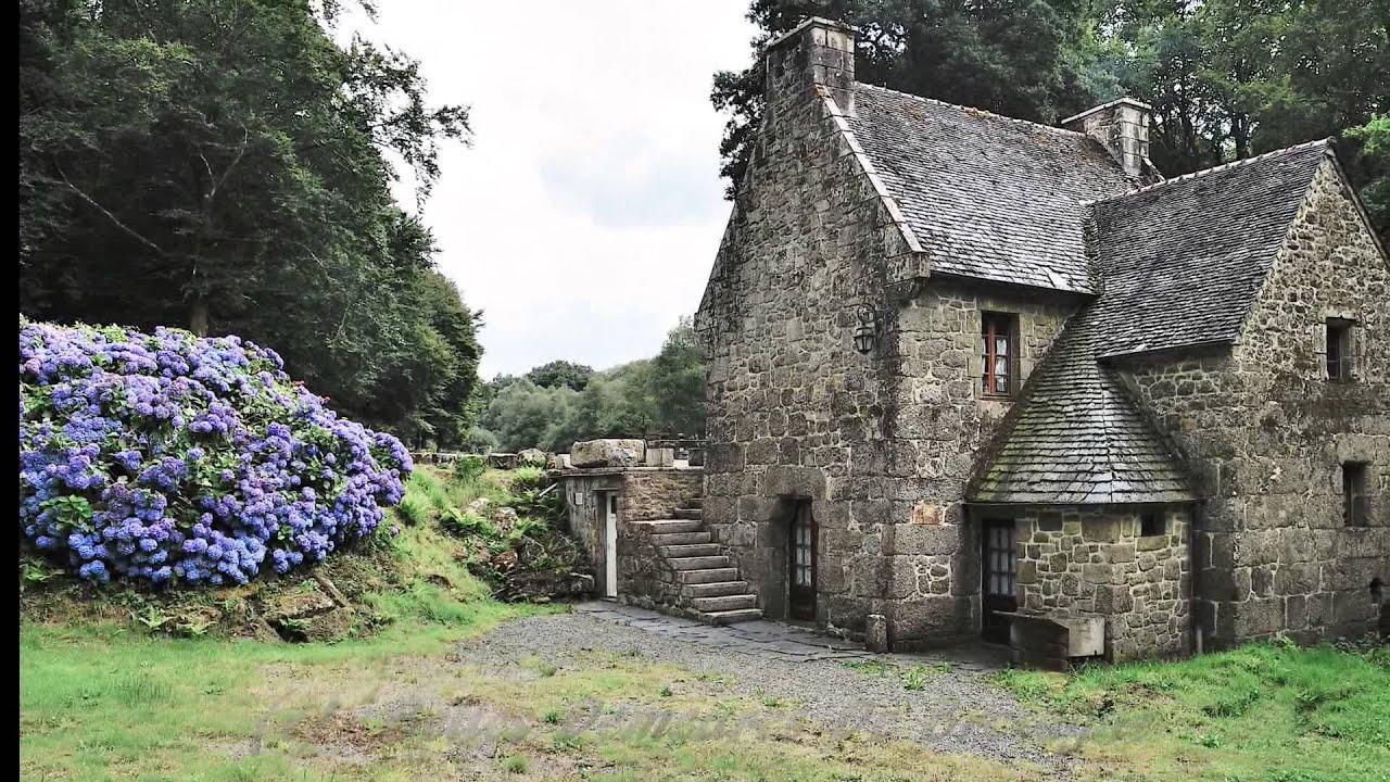 moulin et son etang belles demeures de bretagne ref