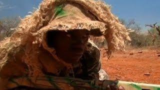 Latihan Militer untuk Melawan Pemburu Gelap Badak