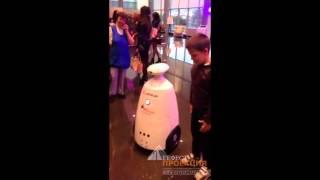 Рекламный робот Rbot на мероприятии автомобильного дилера TTS Казань