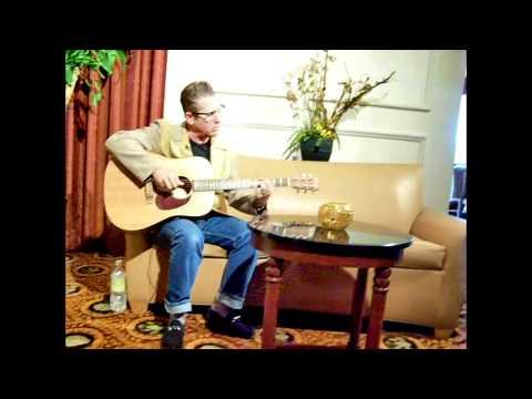 Lee Rocker Plays Stray Cat Strut