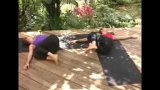 Йога для начинающих полная версия здоровье Женское стиль хобби спорт молодые девушки совет