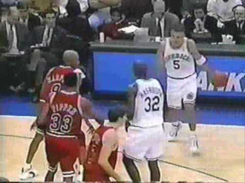 【經典回顧】Jason Kidd職業生涯首次戰喬丹,豪取25分15籃板11助攻,卻依然被教做人!(影)-籃球圈