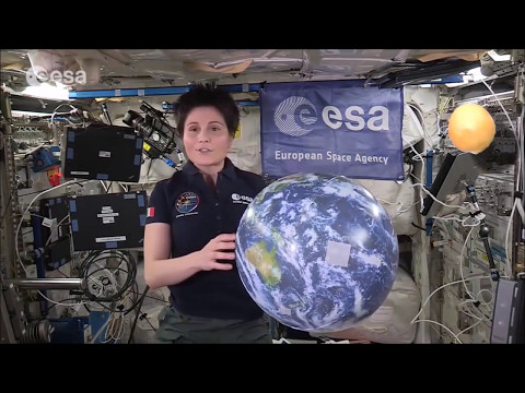 The fake NASA ISS interior - a technical breakdown by Mike Helmick - Flat Earth ✅