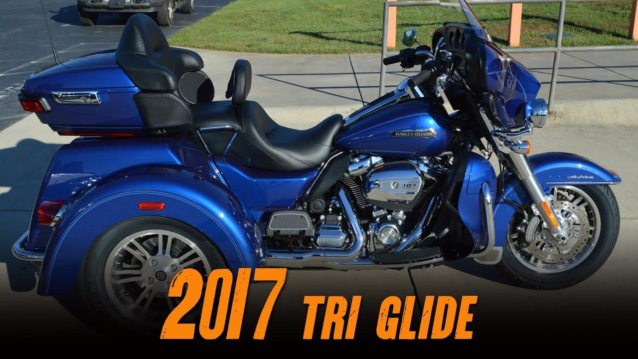 The 2016 Harley Davidson Tri Glide Ultra Provides Three: 2017 Harley-Davidson® FLHTCUTG