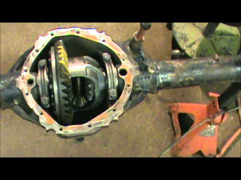 Rebuilding 12 bolt truck rearend - YouTube