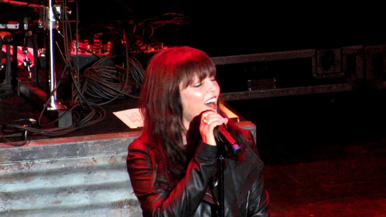 Pat Benatar We Live For Love Tour