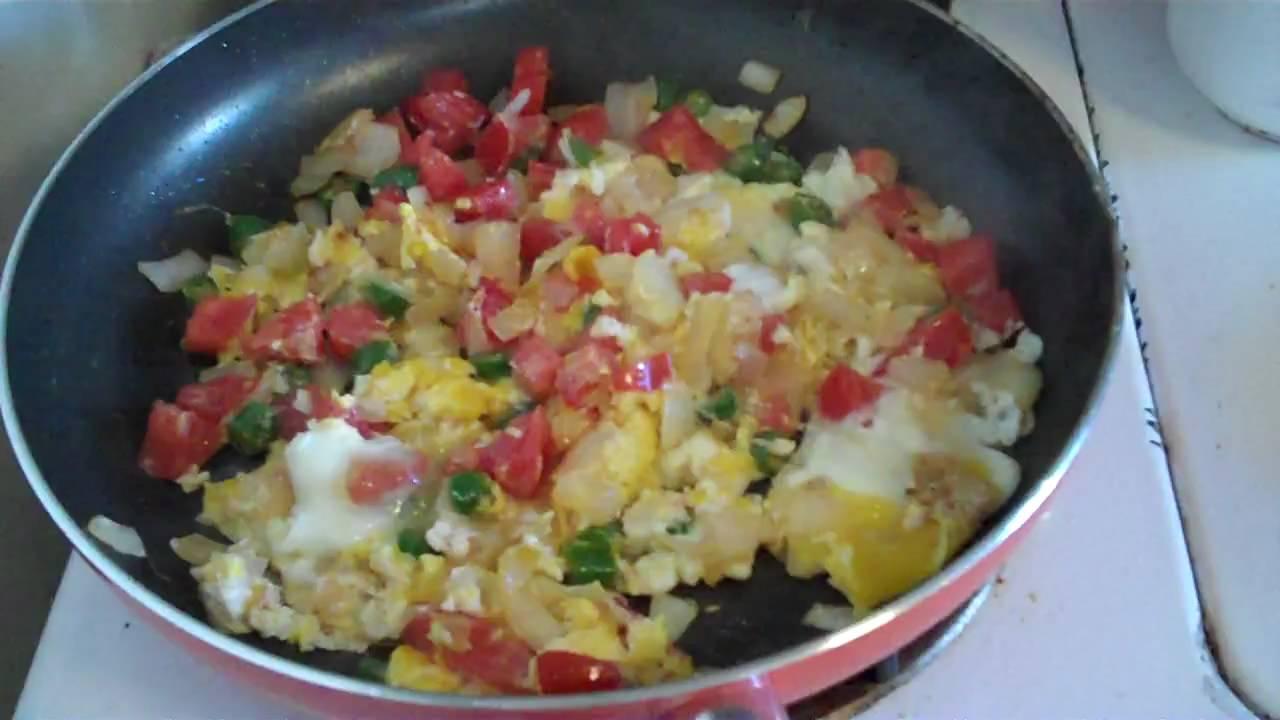 Huevos a la Mexicana con Tortillas y Hambre - YouTube