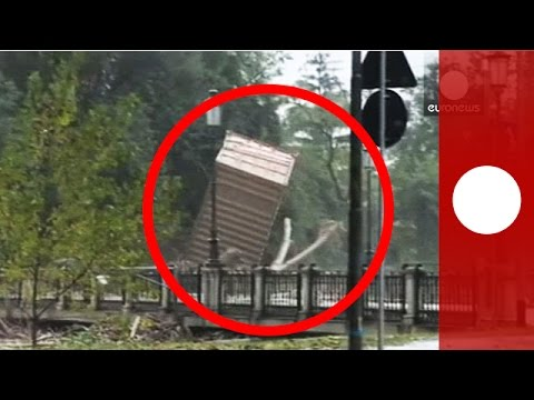 Floods in Italy: Container crashes into bridge, trees fall into water in Parma