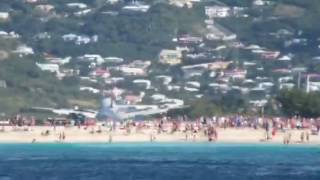 2017-01-17 Jet is landing MAHO BEACH - taped from CATAMARAN