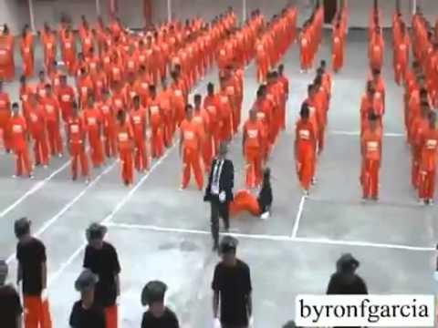 Флэшмоб в тюрьме в честь Майкла Джексона