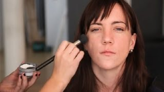 How to Choose a Face Powder Shade : Blush & Other Makeup Tips