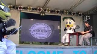 2011/09/11、試合後ステージ。球団創設4000勝記念、マリーンズクイズ大...