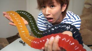 世界最大級のグミを1人で食う!(多分) thumbnail