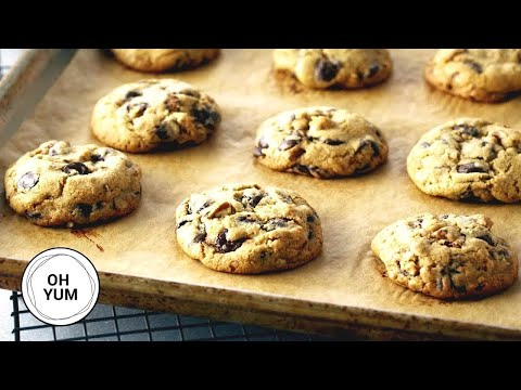 professional-baker-teaches-you-how-to-make-chocolate-chip-cookies!