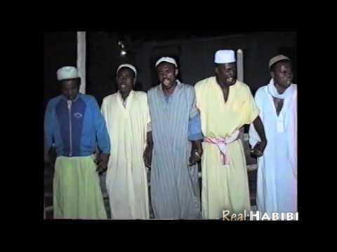 """Dahira"" de Toirikat Chadhouli-El-Yachroutu à Ledaman Ambilobe Madagascar filmé par Habibi Mars1995"