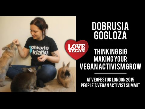 "Dobrosia Gogloza speaks on ""Thinking Big - Make your Activist Group Grow"""