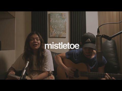 Mistletoe - Justin Bieber (cover) | Reneé Dominique feat. Dave Lamar