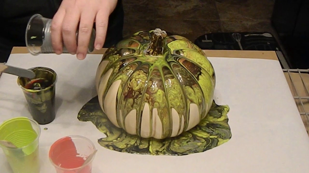 9822aa81f18000 20) Pumpkin pour with acrylic paint! Getting into the Halloween ...