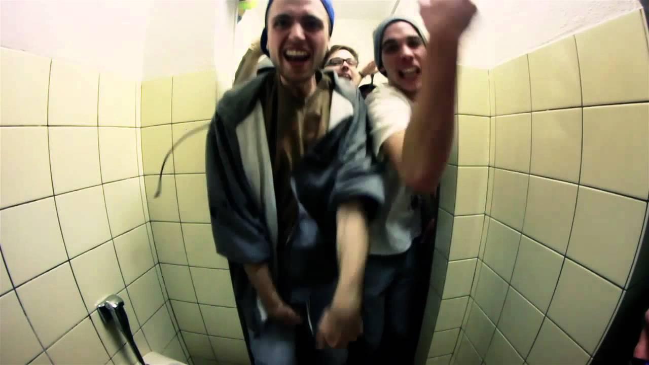12 Karat - Jung, Frei und Naiv (official video) - YouTube