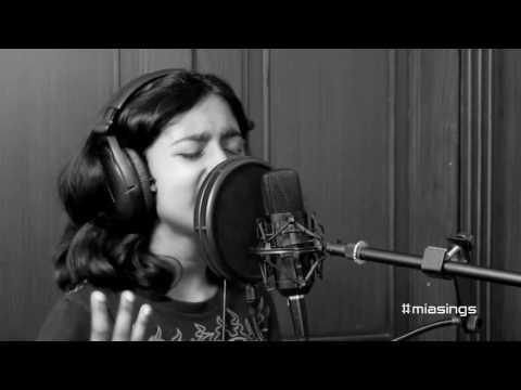 Mia sings Etta James' - At Last