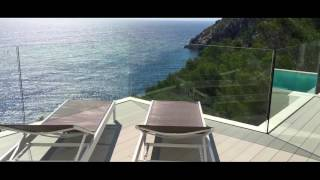 Property Mallorca, Frontline villa for sale with high quality and views to the sea
