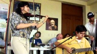 Martha Suárez interpreta canción brasilera