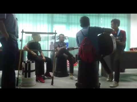 Doaku Pohonkan - Harry Khalifah cover by Belangkas Buskers