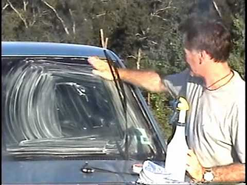Quick-Glo Demo 5 - Removing bugs from windshield