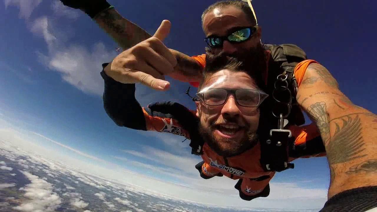 Salto de Paraquedas do Samuel N na Queda Livre Paraquedismo 07 01 2017