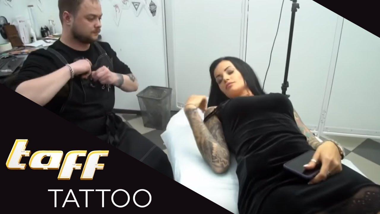 stehen russen auf t towierte frauen tattoo spot st. Black Bedroom Furniture Sets. Home Design Ideas