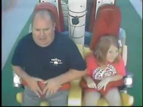 Papi auf schaukel Attraction you-big-blog.com