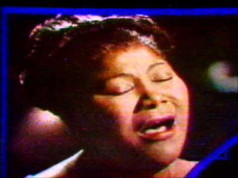 Mahalia Jackson - O Holy Night  (unmatched and unforgettable)