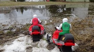 Rc snowmobile new bright brushless 14.8 volts on water.