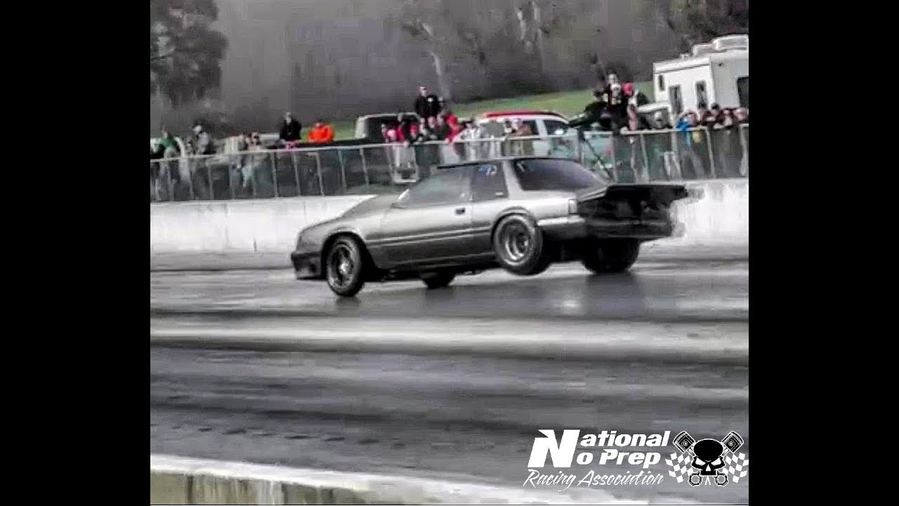 mustang does a great save at the kentucky street outlaws live no prep youtube. Black Bedroom Furniture Sets. Home Design Ideas