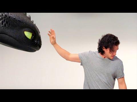 Кит Харрингтон и Беззубик на кастинге сериала
