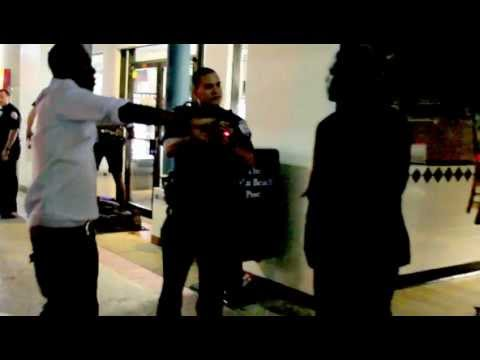 West Palm Beach PD, tazer a man on Clematis street down town fight