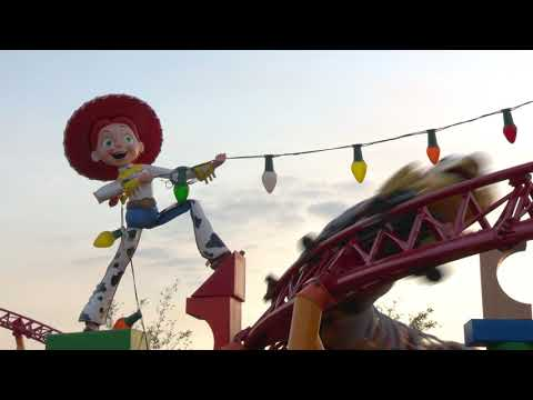 Slinky Dog Dash Roller Coaster running in Toy Story Land