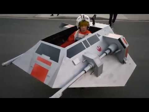 Father turns his son's wheelchair into a Star Wars snowspeeder