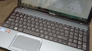 Unboxing the Toshiba Satellite L855 Laptop