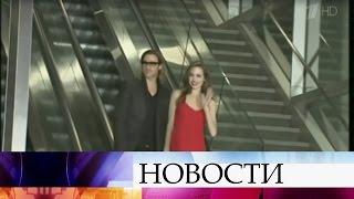 СМИ: Анджелина Джоли иБрэд Питт встречаются втайне отдетей.