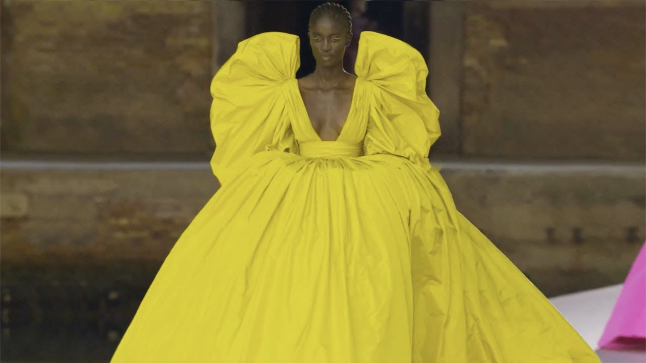 Valentino Haute Couture Fall/Winter 2021/22 - Official Edit
