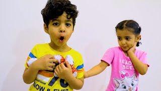 الطفل يسرق الحلوى Child Steals Candy