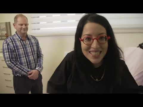 """טיפול בהזעת יתר עם MiraDry - ד""""ר מוני פרידמן בתוכנית של שלי גפני"""