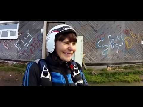 Первый прыжок с парашютом Светланы. г.Пермьиз YouTube · С высокой четкостью · Длительность: 2 мин18 с  · Просмотров: 268 · отправлено: 25-11-2014 · кем отправлено: Perm Skydive Video Pro